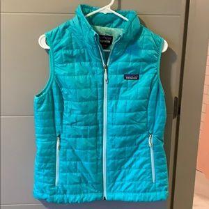 Patagonia women's down puffy vest size medium